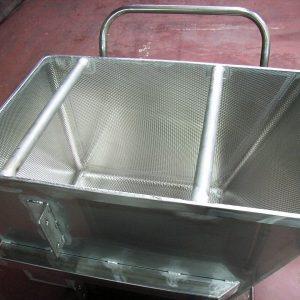 エンボス容器